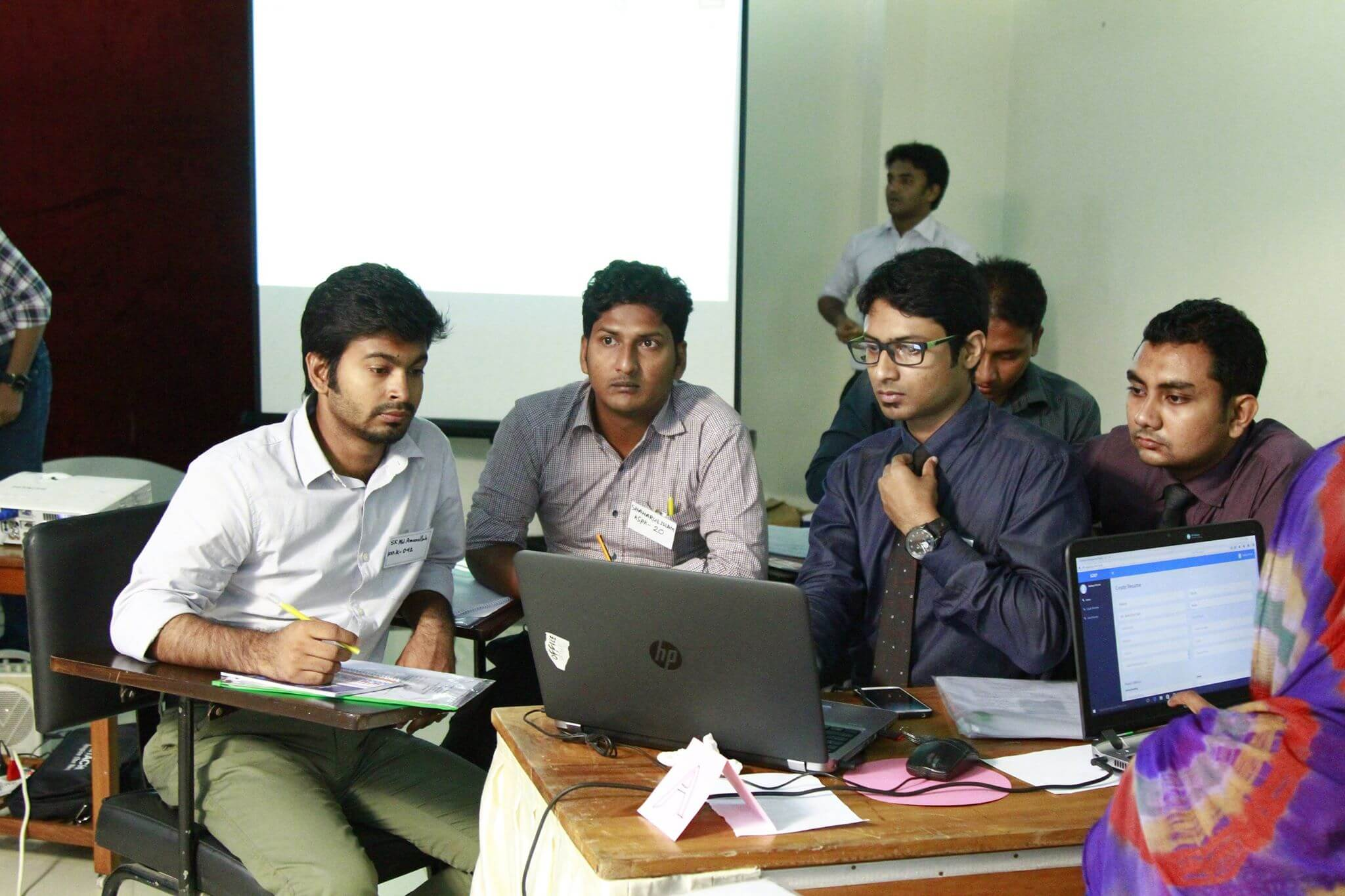 30 young bangla members received internship and job at aamra this career camp is mainly aimed to provide some necessary skills to the fresh graduates and entrants to be a competent candidate for the job market